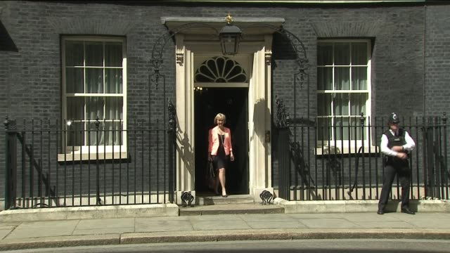 theresa may makes further cabinet appointments downing street andrea leadsom mp along downing street andrea leadsom no 10 departure telling reporters... - andrea leadsom stock-videos und b-roll-filmmaterial