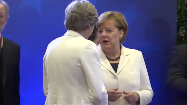 stockvideo's en b-roll-footage met theresa may meeting with fellow european leaders at the eu summit in brussels - politicus