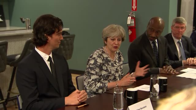 vidéos et rushes de theresa may, roundtable meeting with us investors in new york; usa: new york: int theresa may mp chatting at roundtable meeting sot and is welcomed... - prime minister