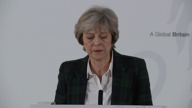 theresa may saying the government will pursue a bold and ambitious free trade agreement with the european union - brexit stock-videos und b-roll-filmmaterial