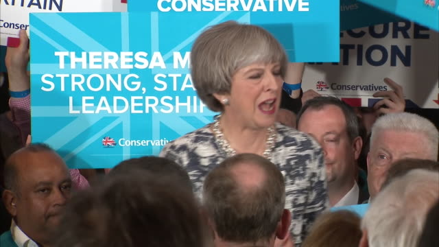 vídeos de stock, filmes e b-roll de theresa may saying who do you believe has the will and more crucially the plan to deliver on brexit - testamento