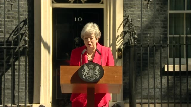 theresa may to resign as conservative party leader: a look back at the career of theresa may; england: london: downing street: ext cutaway theresa... - 耐久力点の映像素材/bロール