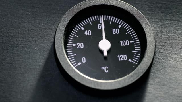 vidéos et rushes de thermomètre - cold temperature