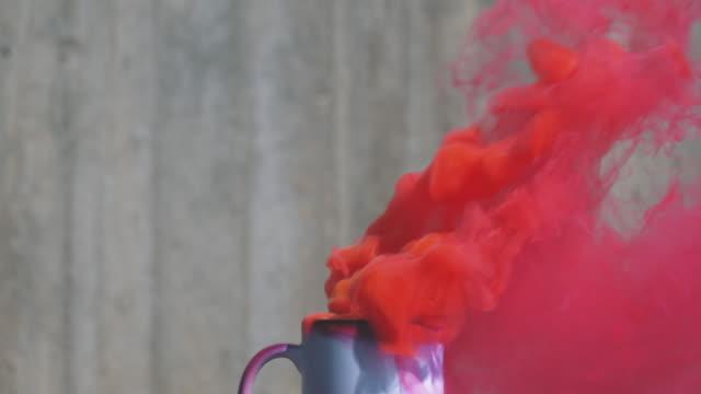 Color humo de una taza de café