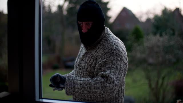 vídeos y material grabado en eventos de stock de ladrón - ladrón de casas