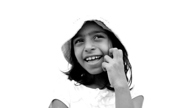vídeos y material grabado en eventos de stock de retrato de la muchacha de pensamiento - monocromo imagen virada
