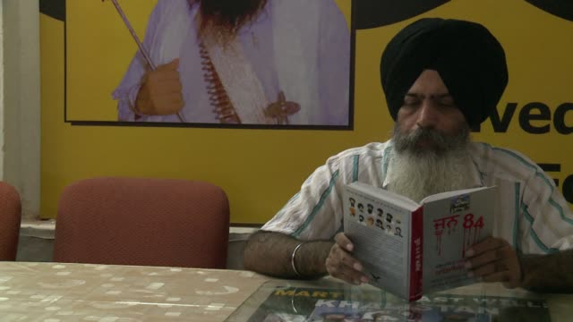 thirty years after indias deadly raid on militants inside amritsars golden temple the holiest site of sikhism the movement for an independent sikh... - punjab region stock-videos und b-roll-filmmaterial