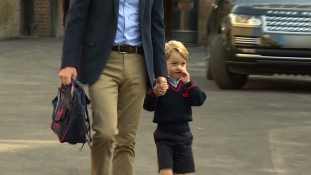 this clip contains black gaps third party content removed voiced a slightly nervouslooking prince george has started his first day at school the... - 1日目点の映像素材/bロール
