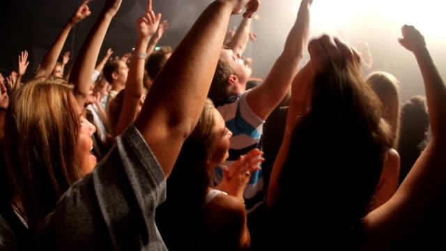 stockvideo's en b-roll-footage met dit concert is ziek! - live evenement