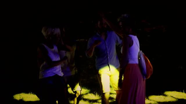 vídeos y material grabado en eventos de stock de ¡este dj set es épica! - barco faro