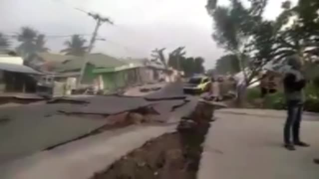 this footage provided by dewan dakwah islamiyah indonesia on october 10 2018 shows the moment of earthquake in palu city central sulawesi province of... - indonesia earthquake stock videos & royalty-free footage