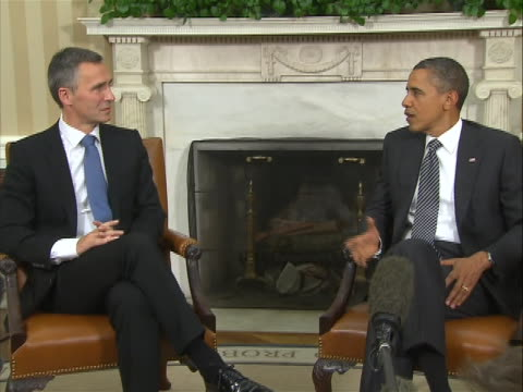sot this is a 2 shot norway prime minister jens stoltenberg and president barack obama seated in oval office in front of fireplace open press photoop... - human rights or social issues or immigration or employment and labor or protest or riot or lgbtqi rights or women's rights stock videos & royalty-free footage