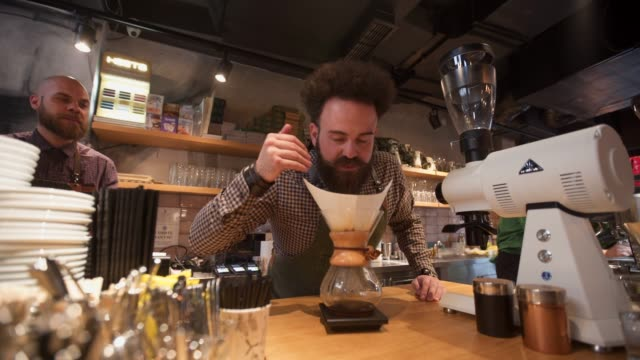 vidéos et rushes de ce sera un bon café - sentir