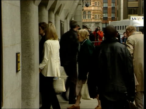 thomas cressman murder: jane andrews breaks down; c)en: libby wiener england: london: ext former dresser to sarah ferguson, duchess of york, jane... - boyfriend stock videos & royalty-free footage