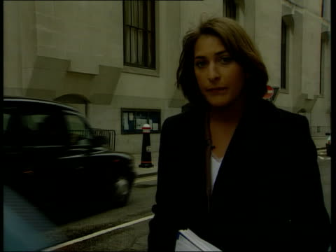 stockvideo's en b-roll-footage met jane andrews breaks down england london old bailey ext i/c c5f - crime and murder