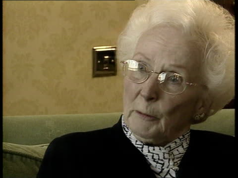 stockvideo's en b-roll-footage met jane andrews convicted england int barbara cressman interview sot i've got a few things with his voice on that i will always treasury c5f - crime and murder