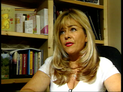 stockvideo's en b-roll-footage met jane andrews convicted england int lucinda ellery interview sot i felt it wasn't lies she was telling me but more denial - crime and murder