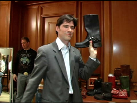 thomas gibson at the 2nd annual lucky/cargo club celebration of upfront week on may 18, 2005. - thomas gibson stock videos & royalty-free footage