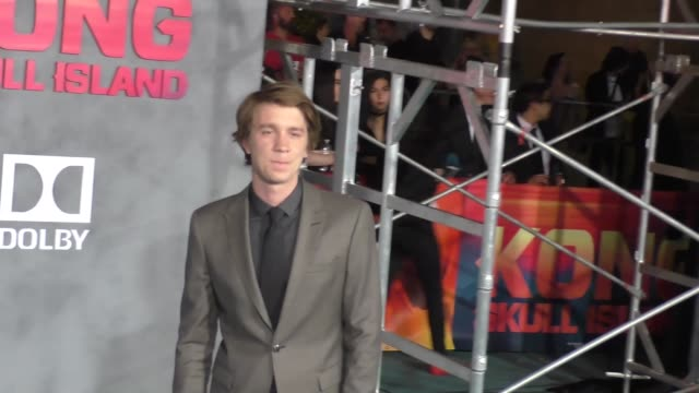 thomas mann at dolby theatre on march 08 2017 in hollywood california - キングコング 髑髏島の巨神点の映像素材/bロール