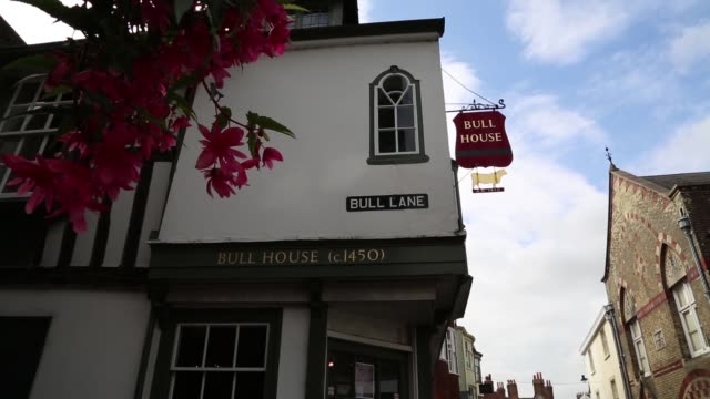 thomas paine moved to lewes in 1768, a town with a tradition of opposition to the monarchy and pro-republican sentiments that dated back to the... - turmspitze stock-videos und b-roll-filmmaterial