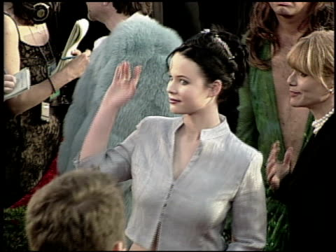 thora birch at the 2000 academy awards at the shrine auditorium in los angeles california on march 26 2000 - 72nd annual academy awards stock videos & royalty-free footage