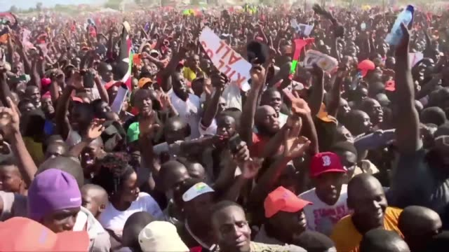 thousands come out in kisumu kenya for a rally supporting the opposition - raila odinga stock videos and b-roll footage