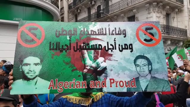 thousands of algerians take to streets of capital algiers on march 08 2019 to protest president abdel aziz bouteflika's bid to secure a fifth term in... - アルジェリア点の映像素材/bロール