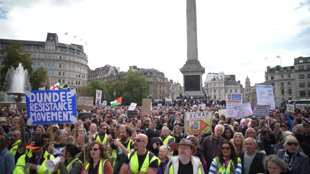"""thousands of demonstrators attend a """"we do not consent"""" anti-mask rally at trafalgar square on september 26, 2020 in london, england. thousands of... - abundance stock videos & royalty-free footage"""