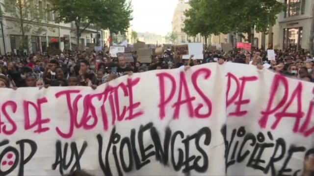 thousands of demonstrators in the southern french city of marseille march and protest against racism and police brutality with many brandishing signs... - i can't breathe stock videos & royalty-free footage