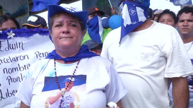thousands of demonstrators march against nicaraguan president daniel ortega's government in managua demanding freedom for students jailed for... - managua stock videos & royalty-free footage