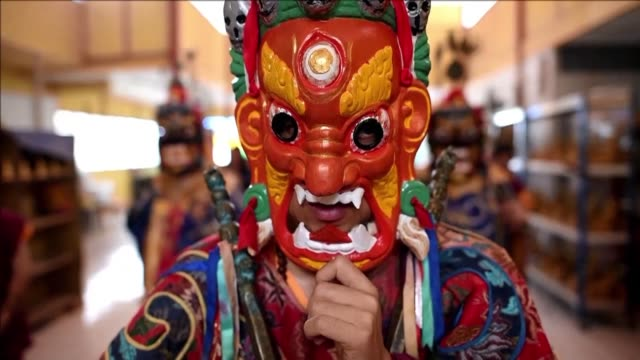 thousands of devotees gather in malaysian temples to celebrate buddha's birth death and enlightenment a festival marked on different days across the... - buddha's birthday stock videos and b-roll footage