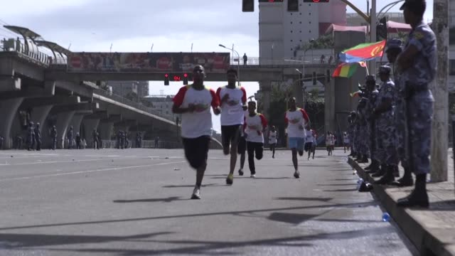 thousands of ethiopians and eritreans take part in a 10 kilometre reconciliation run the first joint sporting event since the former bitter foes... - kilometre stock videos & royalty-free footage
