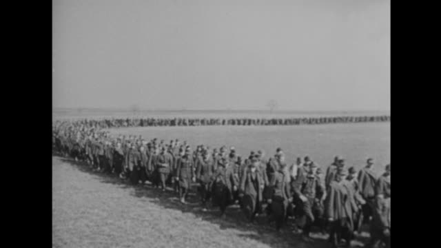 thousands of german soldiers surrender - drittes reich stock-videos und b-roll-filmmaterial