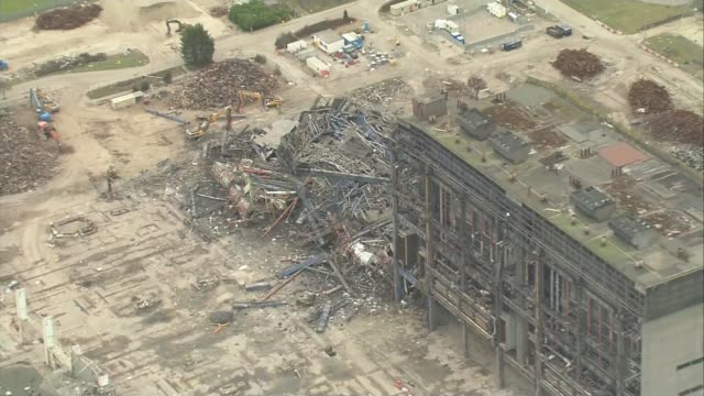 thousands of homes across oxfordshire left without power following didcot cooling towers demolition r19031604 / 1932016 oxfordshire didcot didcot... - didcot stock videos and b-roll footage