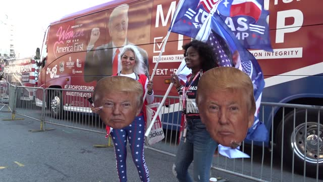 """vídeos y material grabado en eventos de stock de thousands of maga protesters gather at freedom plaza during a """"march for trump"""" rally to 'stop the steal' protesting 'fraudulent' election results on... - manifestante"""