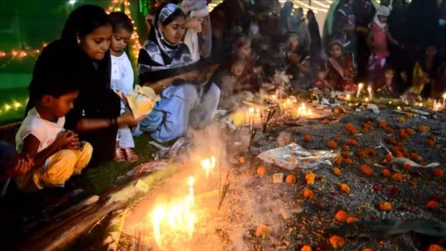 thousands of muslims pray at the malang shah baba darga shrine to pay tribute to the saint during the annual urs religious festival in india clean... - religious saint stock videos and b-roll footage