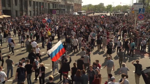 thousands of opposition supporters are detained during anti putin protests in moscow with clashes between protesters and police descending into... - russia stock videos & royalty-free footage