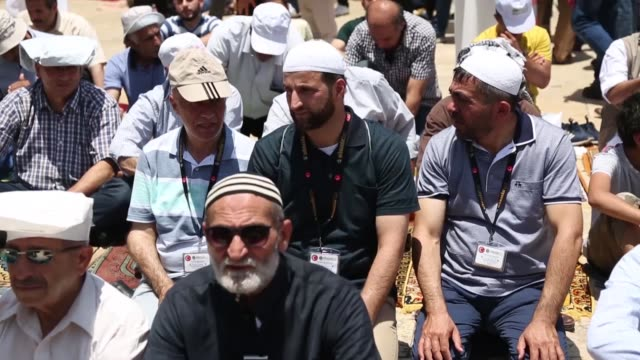thousands of palestinians from the israelioccupied west bank and east jerusalem converged on jerusalem's alaqsa mosque on the last friday of the... - east jerusalem stock videos and b-roll footage