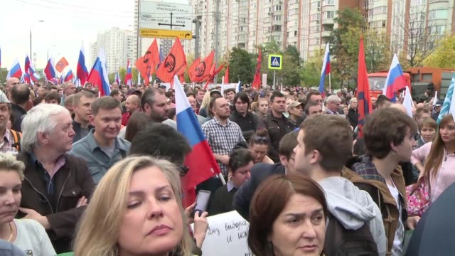 thousands of people poured onto moscow's streets sunday for the first authorised opposition protest in a year-and-a-half, with kremlin critic alexei... - critic stock videos & royalty-free footage
