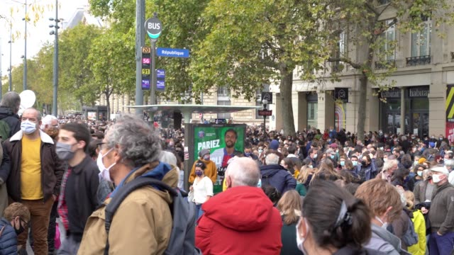 thousands of people rally at the place de la republique in support of samuel paty the teacher beheaded after showing cartoons of the prophet muhammad... - decapitated stock videos & royalty-free footage