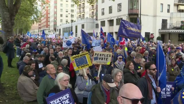 thousands of people start to demonstrate against brexit in the center of london as parliament convenes exceptionnally to vote on the revised... - brussels capital region stock videos & royalty-free footage