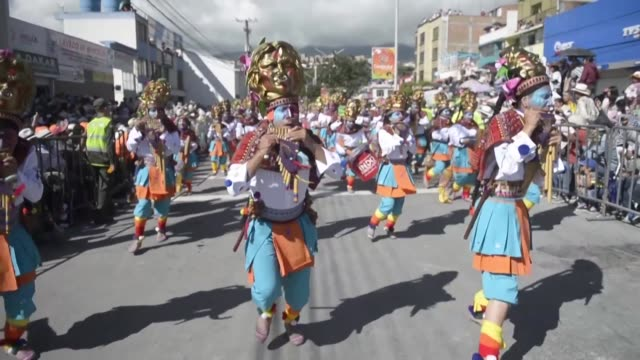 thousands of people watch performers entertainers and dancers on floats in the annual blacks and whites carnival in the southern colombian city of... - pacific city stock videos & royalty-free footage