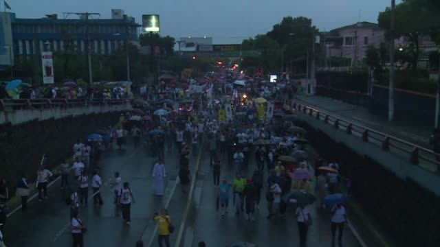 Thousands of pilgrims from around the globe hold a vigil in El Salvador's capital ahead of slain Archbishop Oscar Romero's beatification on Saturday