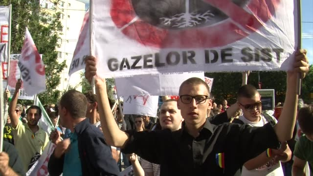 stockvideo's en b-roll-footage met thousands of romanians protested on monday against plans by american company chevron to explore for shale gas in the barlad region in eastern romania... - schalie