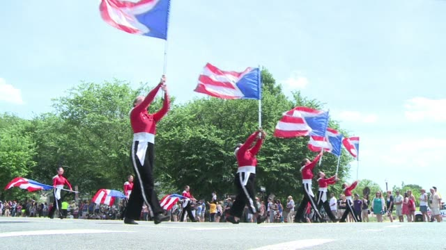 thousands of tourists flocked to constitution avenue in washington to watch the memorial day parade paying tribute to those who served in americas... - parade stock videos & royalty-free footage