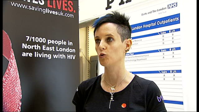 vídeos de stock e filmes b-roll de thousands unaware of hiv status / london hospital offering hiv tests to all outpatients; dr chloe orkin interview sot - retrovírus
