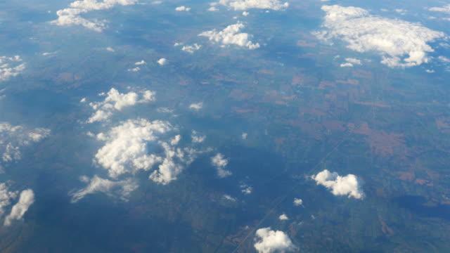 3 つの空中ショットの上の雲を 4 K