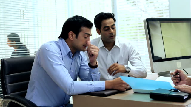 three businessmen discussing, delhi, india - 20 seconds or greater stock videos & royalty-free footage