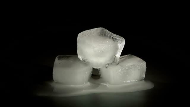 Drei Eiswürfel-HD