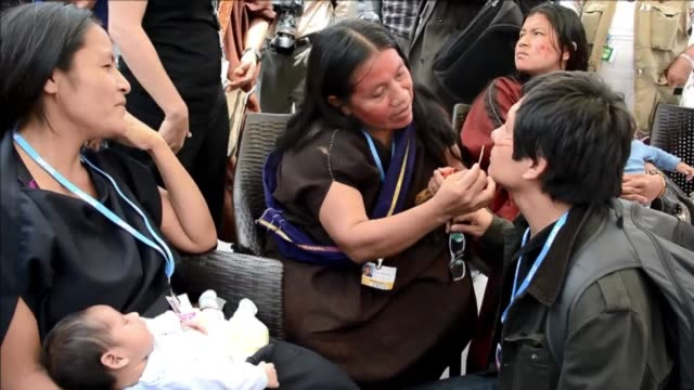 three indigenous ashaninka women widows of peruvian environmentalists who were killed in september demonstrated on friday in lima where the un... - vedova video stock e b–roll